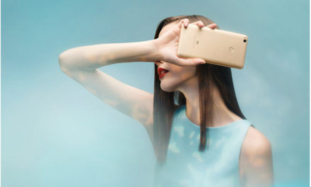 8 maggal, hatalmas kijelzővel és akkuval támad a Xiaomi óriás telefonja