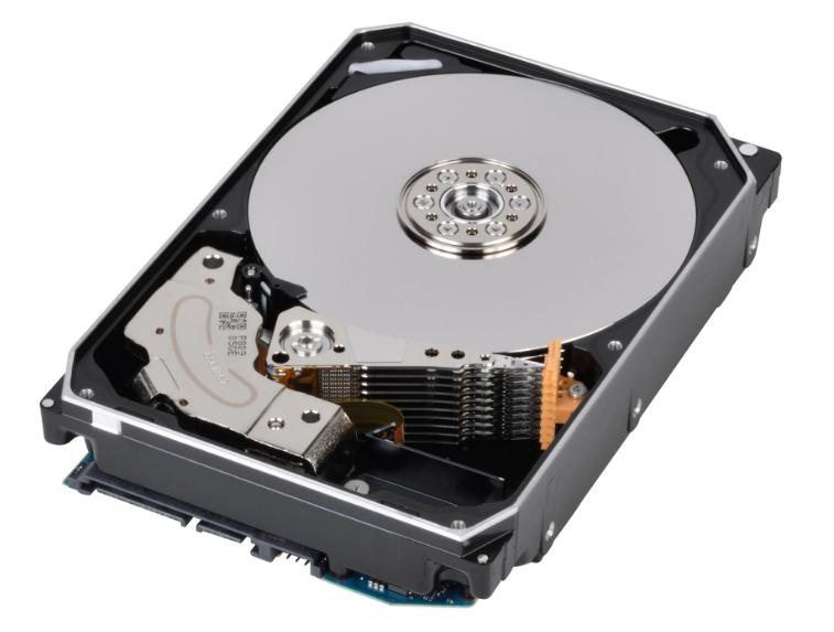 Toshiba поставляється з жорстким диском 16 TB