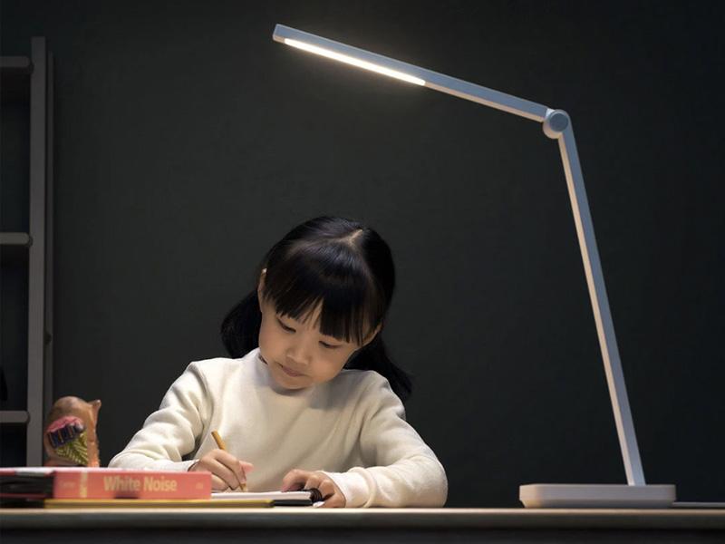 Olcsó Xiaomi Mijia asztali lámpa érkezett