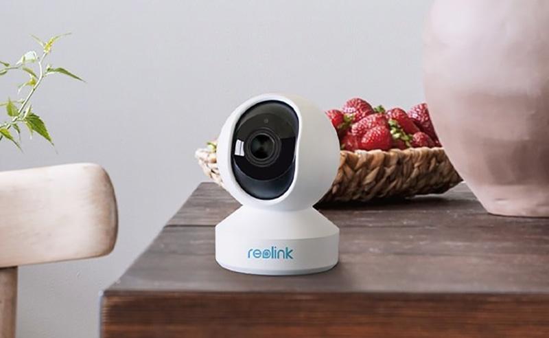 Reolink E1 Pro – 4K-s beltéri kamera gombokért 2