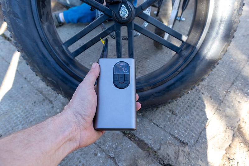 Xiaomi Baseus elektromos pumpa – ezzel fújhatod! 13