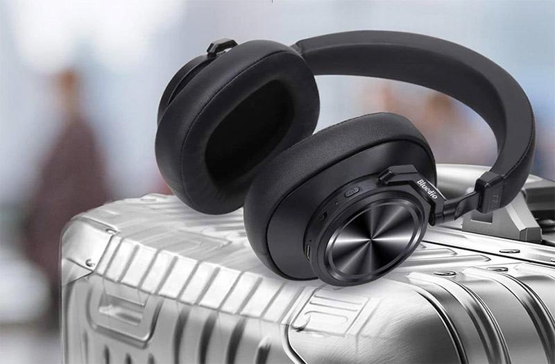 Bluedio T7 Plus -Bluetooth füles extrákkal
