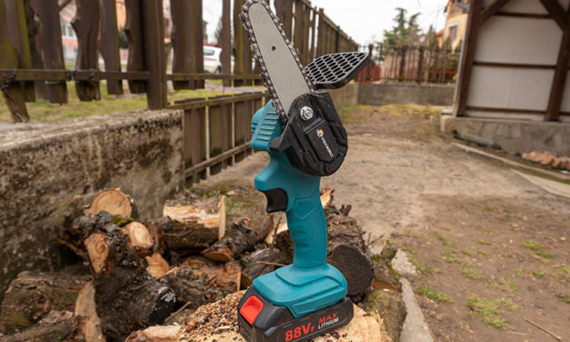 Irány a kerti munka – mini láncfűrész teszt